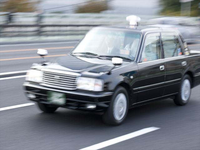 タクシードライバーの魅力は?求人を探す時のポイントも紹介!